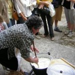 Lavorazione del formaggio-2-