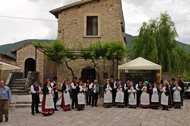 Spettacolo folcloristico tradizionale-1-