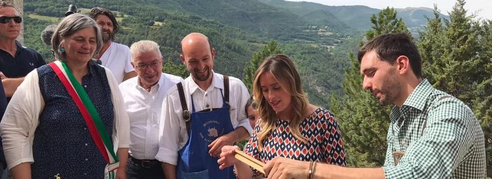 Inaugurazione della Mostra Mercato alla presenza dell'Onorevole Maria Elena Boschi e della Presidente della Regione Umbria Catiuscia Marini-24