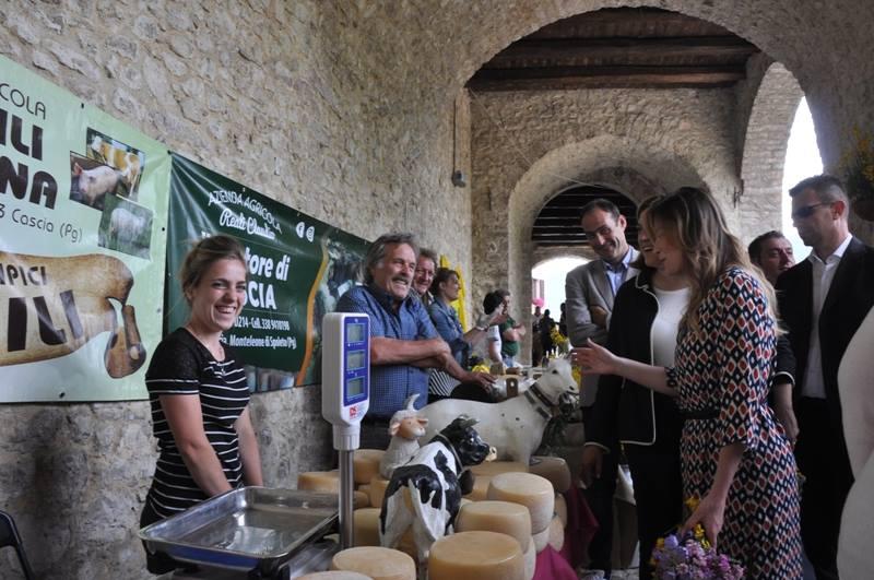 Inaugurazione della Mostra Mercato alla presenza dell'Onorevole Maria Elena Boschi e della Presidente della Regione Umbria Catiuscia Marini-9